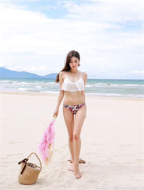 park da hyun beach swimsuit