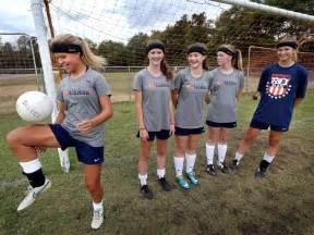 heads up blaze soccer wear headbands to reduce injury usa today high school sports