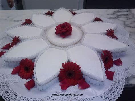 torta a forma di fiore torta millefoglie classica a forma di fiore torte