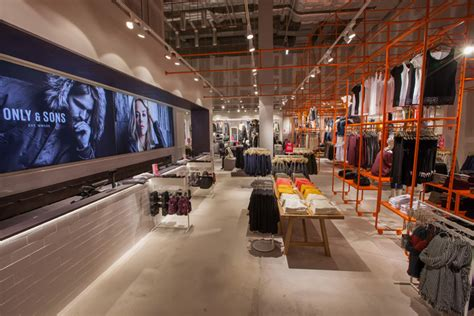 flagship store  riis retail dresden germany