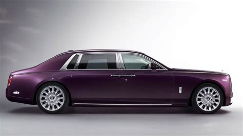 Features Of Rolls Royce Rolls Royce Phantom Viii Design Specs Images And Features