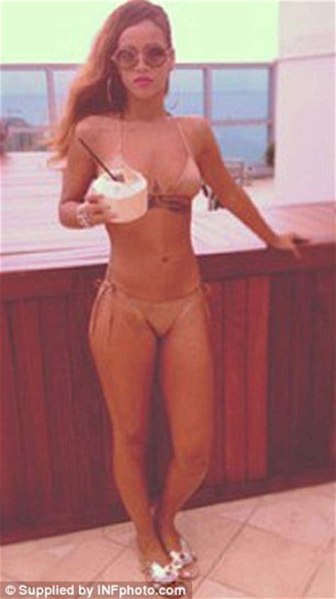wait was that a full bush in fifty shades of grey full figure blonde pubic hair rihanna instagrams her bikini