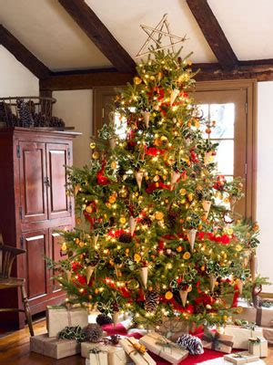 decorating a christmas tree to look old fashioned decorating an fashioned tree dot