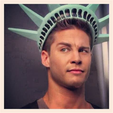 Getting To Dean Factor by Die Besten 20 Dean Geyer Ideen Auf Attraktive