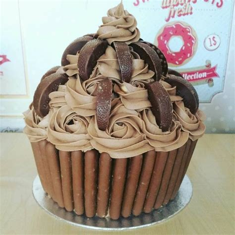 Home Decorates by Chocolate Giant Cupcake Recipe Cake It To The Max