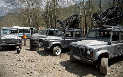 land rover skyfall land rover defenders in skyfall landyzone land rover forum