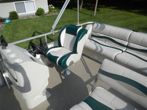 used seats 1000 ideas about pontoons on pontoon boats
