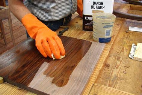 Обработка дерева льняным датским тиковым маслом за 8 шагов