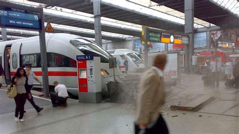 Auto Verschrotten Dachau by Hauptbahnhof Ice Rammt Prellbock Stadt M 252 Nchen