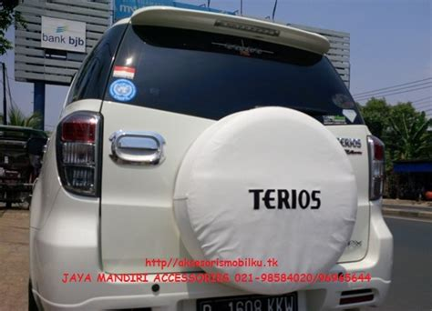 Sarung Ban Cover Ban Kulit Imitasi Terios Bordes Black Gray cover ban serep terios