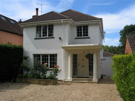 house fronts the white house b and b new forest ashurst