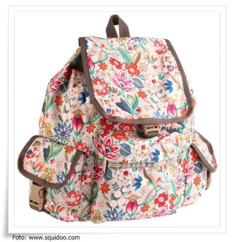 Tas Merah Wanita Ransel Jinjing Fashion Unik Vlog Jalan Pergi tas ransel keren toko tas ransel wanita