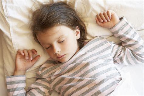 pourquoi un enfant fait pipi au lit 5 conseils pour 233 viter le pipi au lit