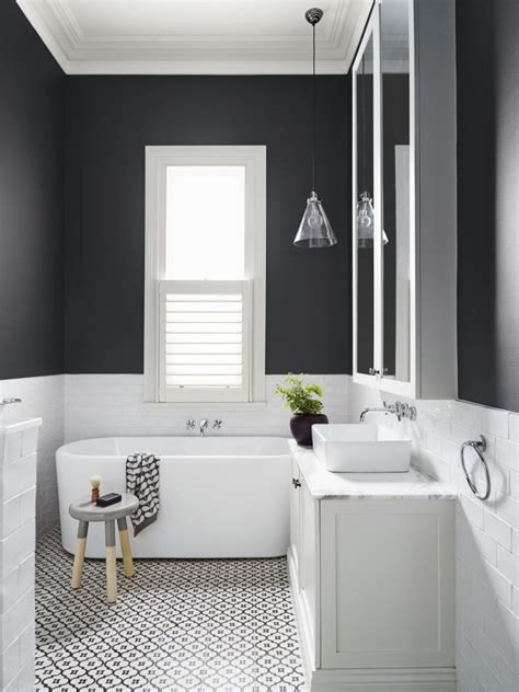 Black And White Subway Tile Bathroom by 17 Best Ideas About Black White Bathrooms On