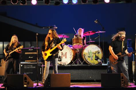 kentucky headhunters file the kentucky headhunters on stage jpg wikimedia commons