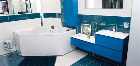 bien choisir la forme de sa baignoire d 233 co salle de