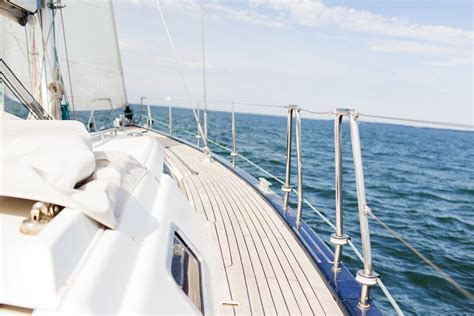 becoming a sailor a singlehand sailing adventure books lessons learned from sailing for a weekmisstravel travel