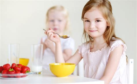 get kids to eat breakfast tips to help your children eat breakfast every day bub hub
