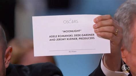 2017 best picture oscars epic best picture fail shows why typography is so