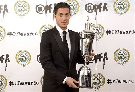 pfa players records 1946 2015 eden hazard wins pfa player of the year 2015 award following stellar season for chelsea daily