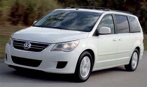 volkswagen minivans volkswatch routan minivan unveiled in chicago