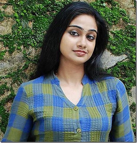 actress divya unni latest photos indian actress stills vidya unni latest photos