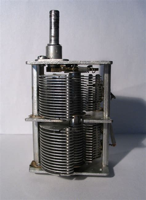 air capacitor file air variable capacitor jpg wikimedia commons