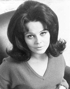 bubble haircuts 1960s 1000 images about 1950s flip out on pinterest news s