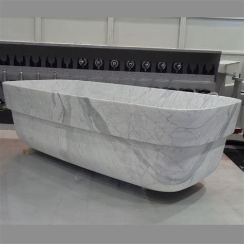q16 bathtub in statuario marble