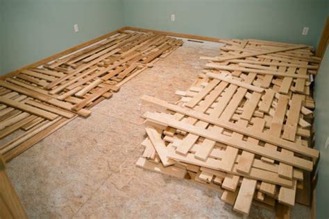how spring summertime humidity can damage your wood