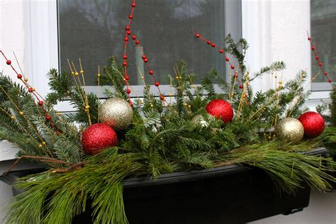 holiday window boxes the 2 seasons
