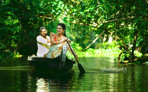 Photography Marriage Pictures by Kerala Wedding Photo Framehunt Wedding Photography