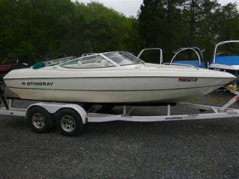 stingray motor boats 2000 stingray 190 rx 19 foot 2000 stingray motor boat in