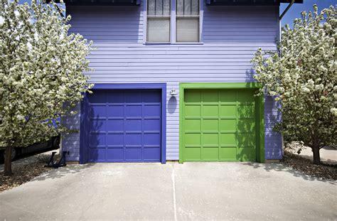 Overhead Door Colors 3 Tips For Choosing The Right Color For Your Garage Door Felluca Overhead Door Inc