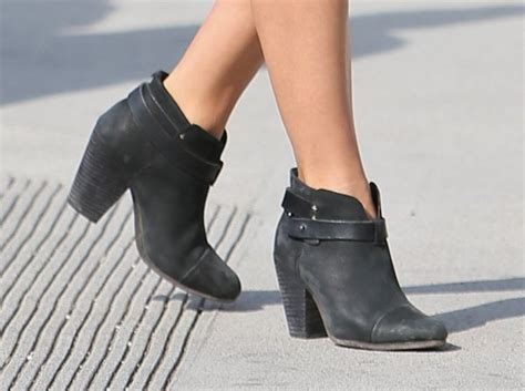 ankle boots ankles boots image