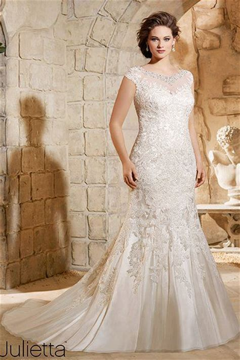 25  best ideas about Curvy wedding dresses on Pinterest
