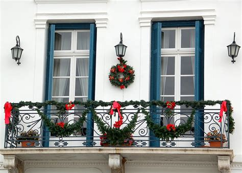 christmas balcony d 233 cor ideas godfather style