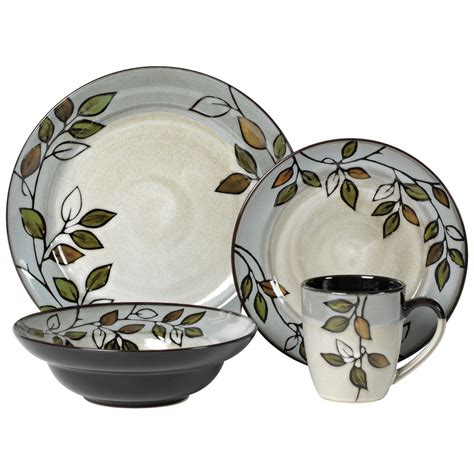 leaf pattern dinnerware set pfaltzgraff everyday rustic leaves 16 piece dinnerware set