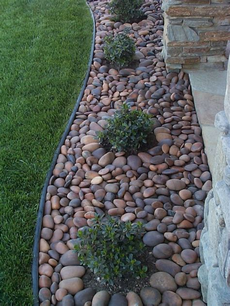 Pebbles And Rocks Garden Best 25 Landscaping With Rocks Ideas On Landscape Design Easy Landscaping Ideas