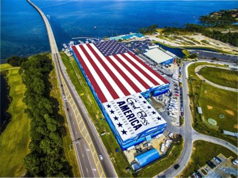 military boat rentals in destin fl destin is home to wyland wall 88 and world s largest u s