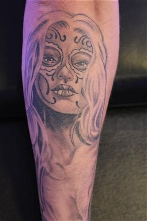 chicano style tattoo black and grey tattoos pinterest