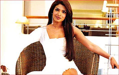 aitraaz movie priyanka chopra priyanka chopra s stylefile is a study in drab gone fab