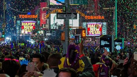 are there bathrooms in times square on nye dick clark s new year s rockin eve 2018 performers lineup