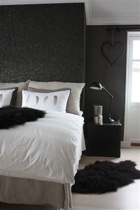 black painted bedroom walls 25 best ideas about glitter paint on pinterest girl rooms girl room and glitter