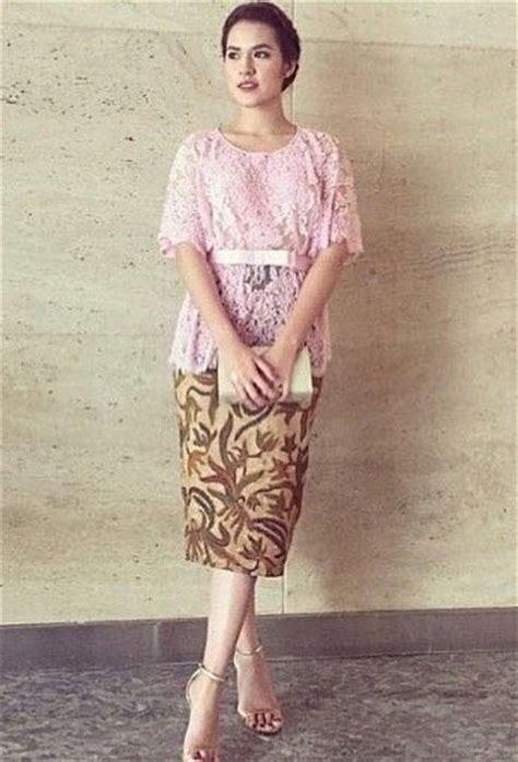 Kebaya Payet Melati Terbaru Fashion Wanita contoh kebaya modern rok pendek untuk remaja kumpulan