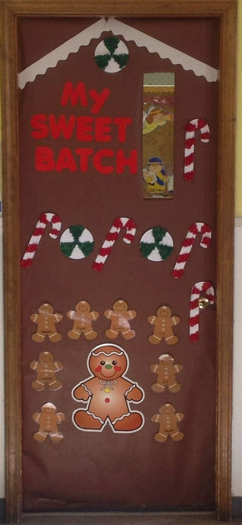 gingrbread house on school door gingerbread house door bulletin boards gingerbread houses doors and gingerbread