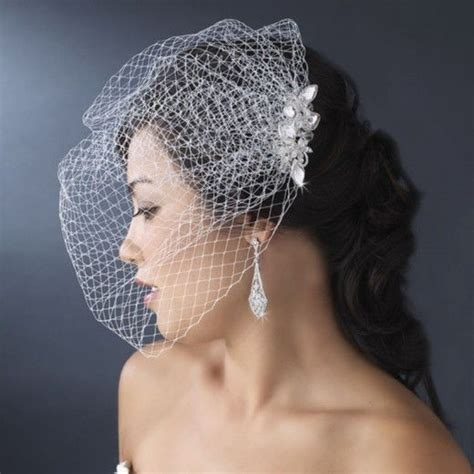 Handmade Birdcage Veil - how to make your own hair fascinator with bird cage veil