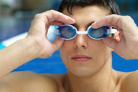 Kacamata Renang Hello Dan Domo pakai kacamata renang sebenarnya perlu atau tidak