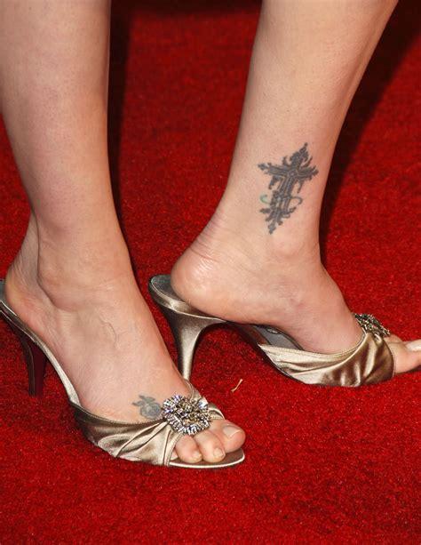 Latest Tattoo Design On Feet For Women 2011 Yusrablog Com Outstanding Foot Designs