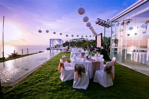 what consider when choosing a wedding venueisland bliss